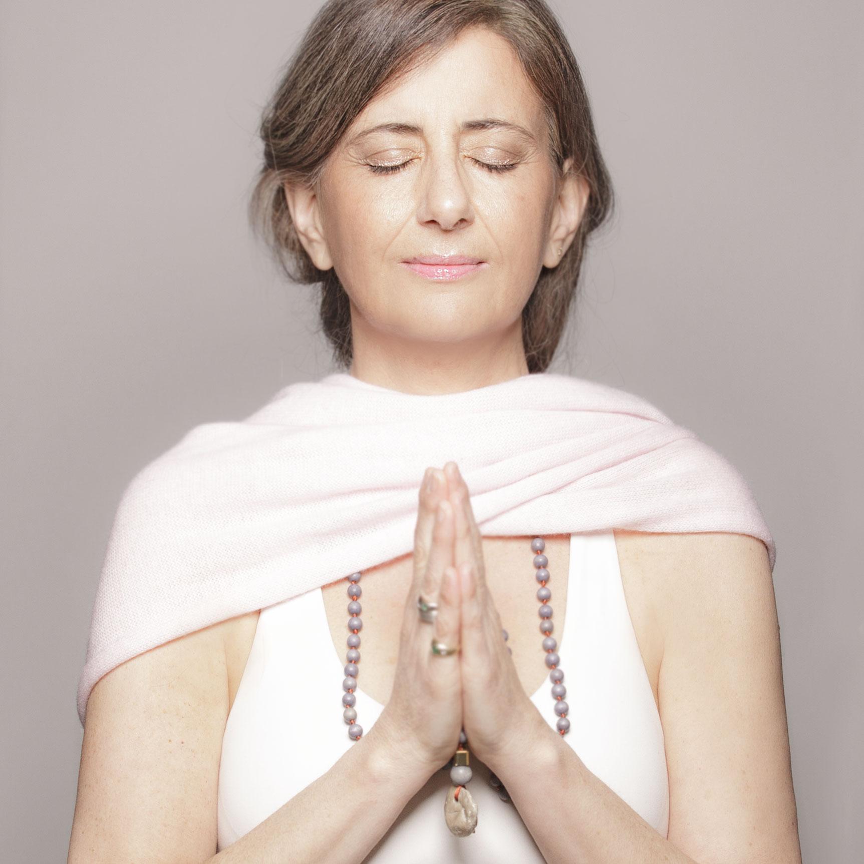 Sheyda_Schreiber_Yoga_Healing_Titel_1500px